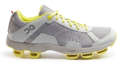 on running chaussures cloudster gris jaune femme