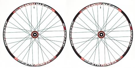 asterion paire de roues accessium en 26 mt3 axe 15mm 12x142mm rouge