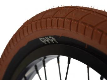 cult pneu chase dehart dark gum noir