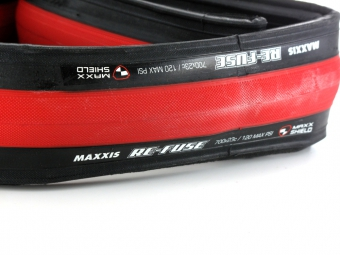 maxxis pneu route re fuse 700x23 rouge