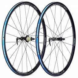 reynolds paire de roues attack 29mm carbone pneu corps shimano sram