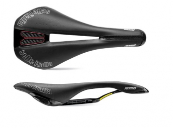 selle italia novus kit carbonio flow noir s2