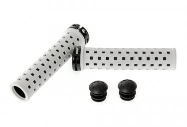 charge poignees square lock on blanc noir
