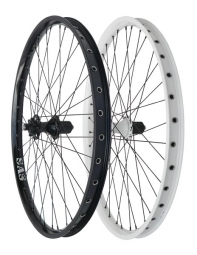 HALO Roue Arrière 26´´ SAS 6-Drive Spin Doctor 36 rayons 9mm QR Noir