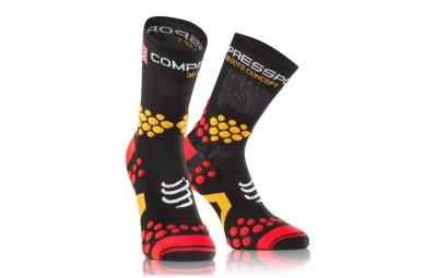 COMPRESSPORT Paire de chaussettes PRO RACING SOCKS V2.1 TRAIL Noir Rouge