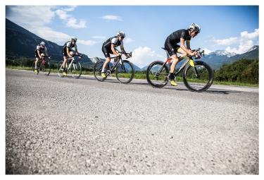 Vélo Complet BOARDMAN TTE 9.2 Ultegra 11V 2016 Noir/Blanc