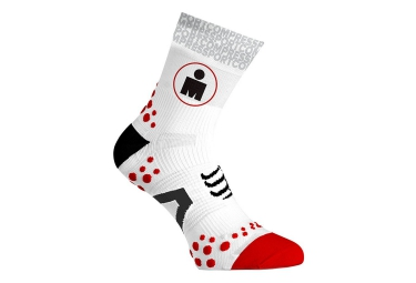 Paire de Chaussettes COMPRESSPORT PRO RACING SOCKS V2.1 IRONMAN Blanc Rouge